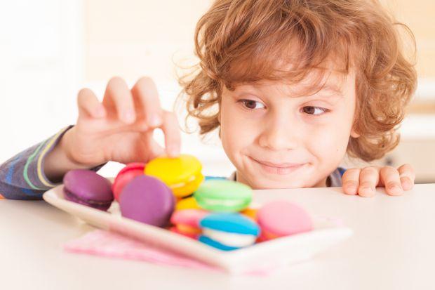 Надмірне вживання солодощів загрожує не тільки зіпсованим апетитом, але й нашкодити здоров'ю.
