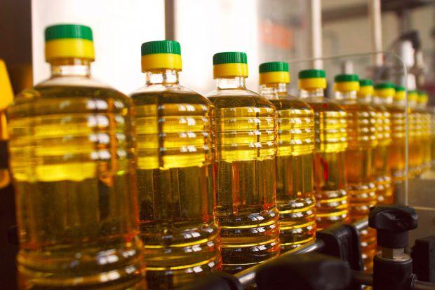 Сьогодні великий вибір олій, але яку краще вибрати для смаження їжі - читайте далі.