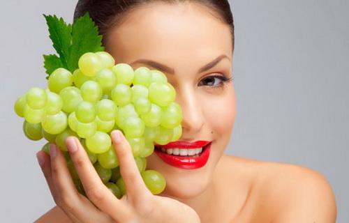 Виноград не тільки їдять, але й роблять чудові засоби для шкіри.