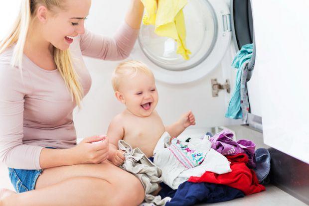 Зразу скажемо, що непотрібно купувати багато одягу, адже малюк швидко росте.