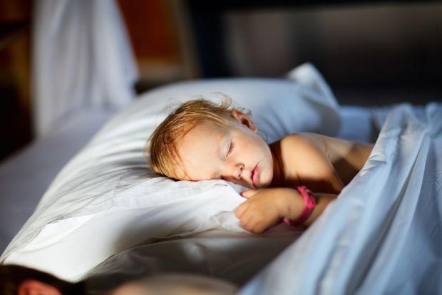 Батьки знають, що періодичні похропування трапляються у кожної дитини. Тривогу необхідно бити, коли хропіння стає постійним явищем.