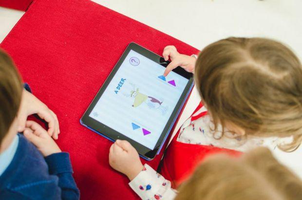 Широке поширення читання колись розвинуло нашу уяву і здатність до зосередження уваги. Розвиток інтернету і сучасних технологій, які доступні дітям з