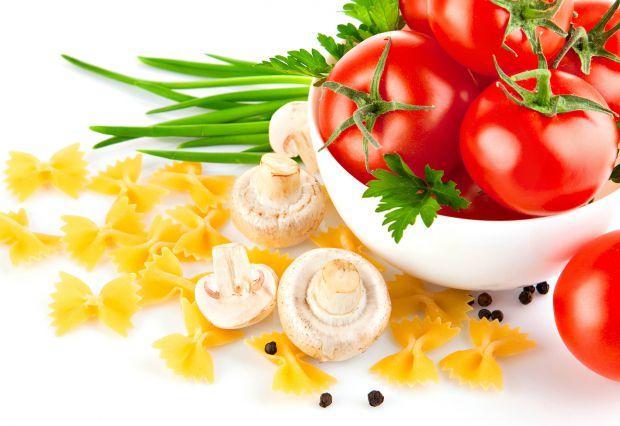 Помідори і томатна паста, як змогли переконатися вчені, є суперпродуктом із захисту від передчасного старіння та ранніх зморшок. Їх вживання забезпечу