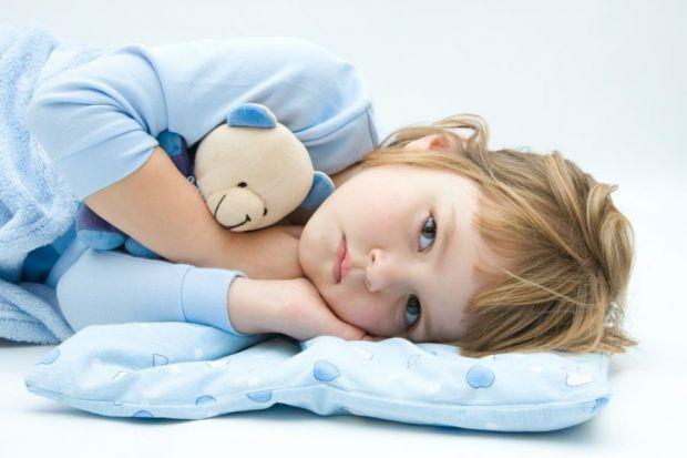 5 небезпечних помилок при температурі у дитини.