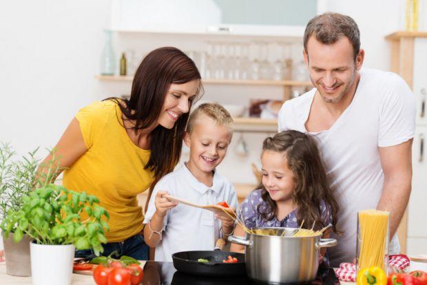 Дізнайтесь, чи можна давати дитині смажене. Повідомляє сайт Наша мама.