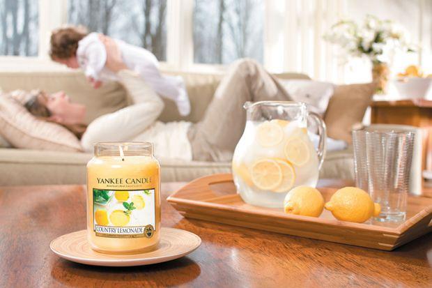 Запалювання ароматичних свічок учені стали відносити до шкідливих для здоров'я звичок.