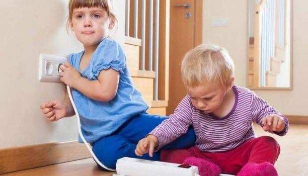 На що звернути увагу в домашньому побуті, щоб малюку не завдало ніяких проблем для здоров'я і взагалі життя.