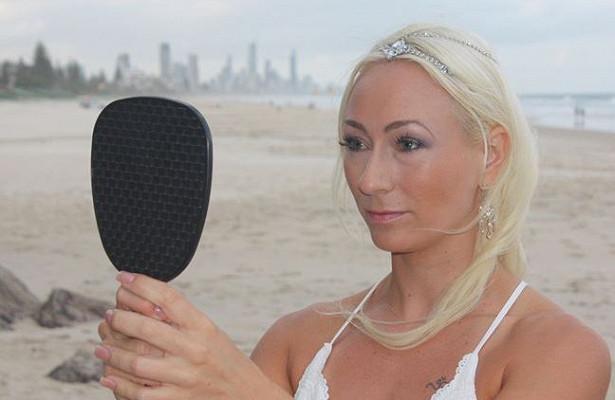 34-річна Лінда Доктар з Австралії після низки невдалих відносин вийшла заміж сама за себе.