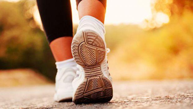 Академіки з Університету Південної Каліфорнії дізналися, що з людської ходьби можна визначити ризик передчасної смерті.