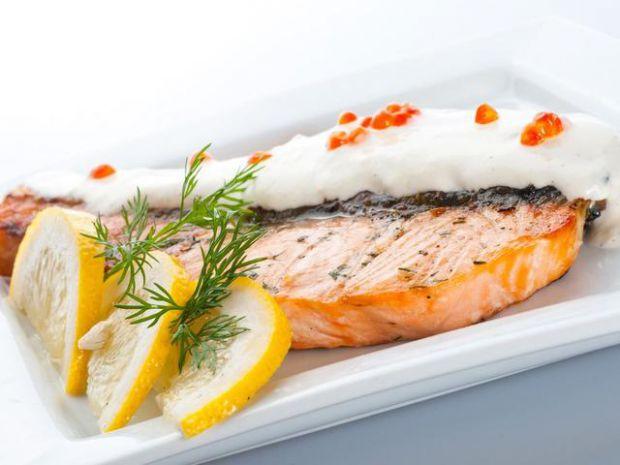 Раціон, багатий рибою, вже за три дня покращує стан шкіри і зменшує появу мімічних зморшок, у цьому переконані дерматологи та косметологи з США.