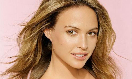 Жінки, які не мають часу на щоденне нанесення косметики, надають перевагу перманентному make up.