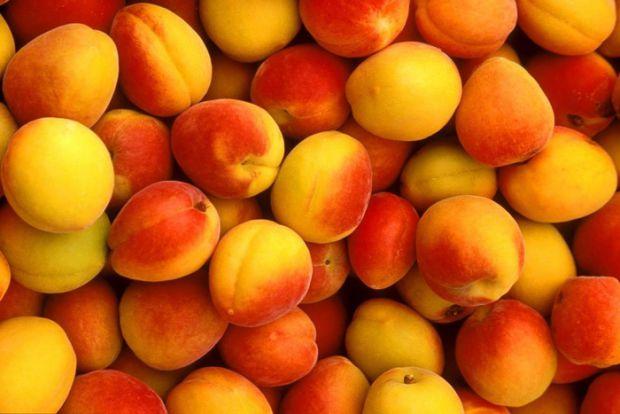 Користь персиків для організму.