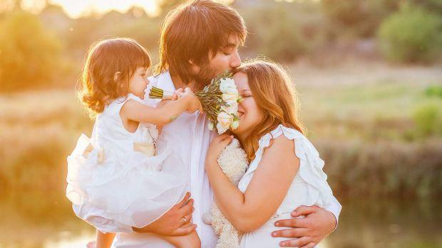 Вчені з Польщі провели дослідження серед сімей в 33 країнах на різних континентах, щоб оцінити, наскільки задоволеність шлюбом чоловіків і жінок пов'я