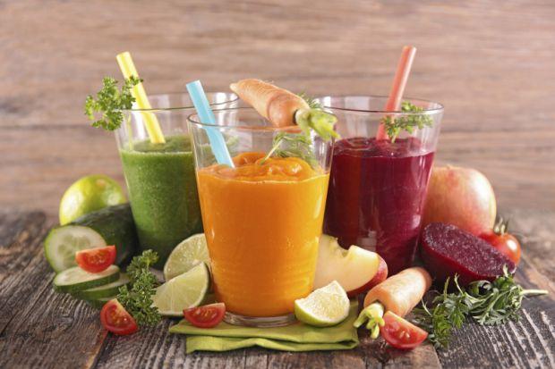 Сокова дієта має безліч переваг, адже в овочах і фруктах міститься багато цінних речовин, які при попаданні в організм надають позитивний вплив на здо