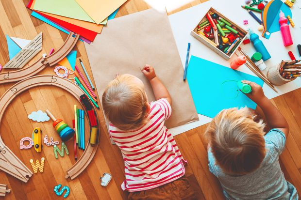 Дитина, дорослішаючи, вчиться мислити і самостійно приймати рішення. Але якщо їй це не дуже вдається, як батькам допомогти?