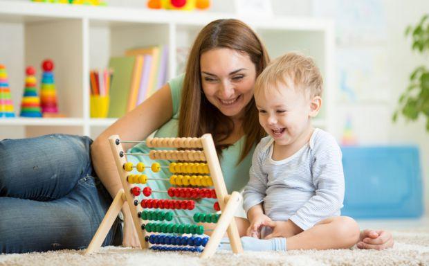 Батькам потрібно змалечку привчати своїх дітей до логічного мислення і моторики. Пропонуємо декілька ігор.