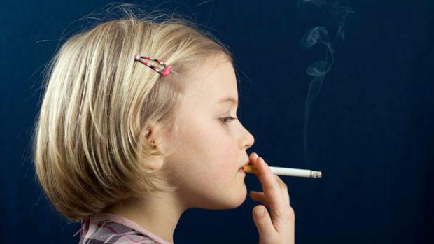 Паління -  це нездорово. Сигарети не приносять користь для життя.