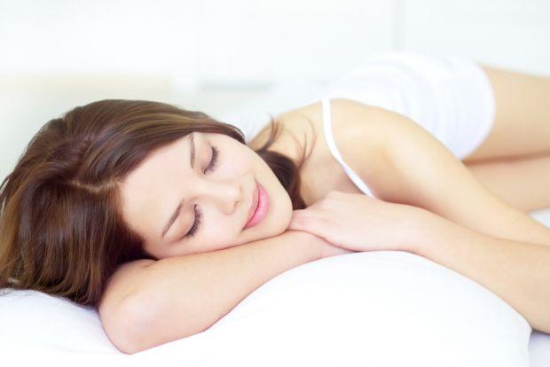 Науковці з Фінляндії встановили оптимальну тривалість сну для людини. Як виявилося, жінкам для нормального самопочуття потрібно менше часу, ніж чолові