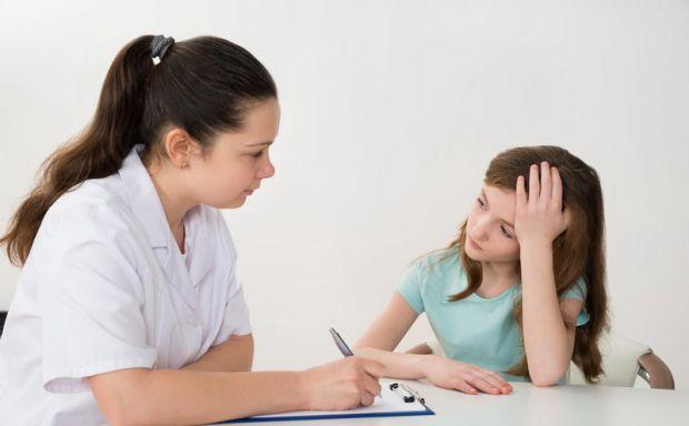 Частіше приділяйте увагу дитині і слідкуйте за її змінами, можливо, вона потребує допомоги.