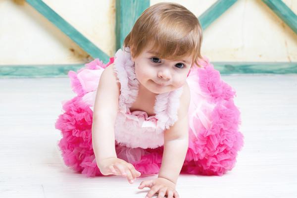 Чи давати малюку пізнавати світ самотужки?