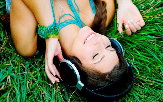 Вибір навушників — справа індивідуальна, адже вони мають підходити саме вашим вухам. Сьогодні навушники можна придбати практично всюди та різних видів