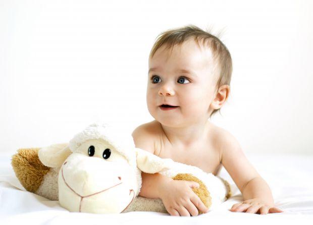 Найбільшою прикрістю для дитини є те, що батьки не купують іграшку, яку дуже хочеться потримати в руках. Але, як показують дослідження вчених, розвито