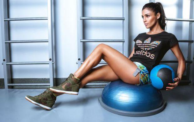 Чемпіонка світу з фітнесу і прихильник здорового харчування, Санта Дімопулос, назвала п'ять корисних звичок, які допоможуть змінити життя на краще.