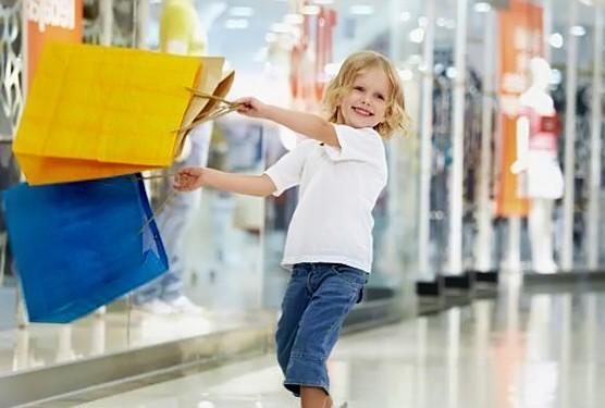 Науковці з Оксфордського університету кажуть, що шопінг розвиває дрібну моторику і соціалізацію дитини.