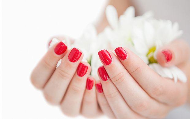 Лікарі зі Стенфордського університету (США) з'ясували, що лак для нігтів може бути реальною причиною жіночого безпліддя і навіть раку.