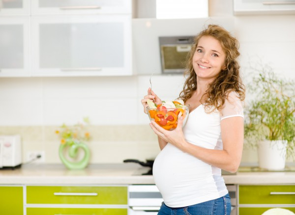 Перше, на що потрібно звернути увагу, з'ясовуючи, чи сумісними є піст і вагітність, - це те, що основним покликанням і обов'язком жінки (у християнств
