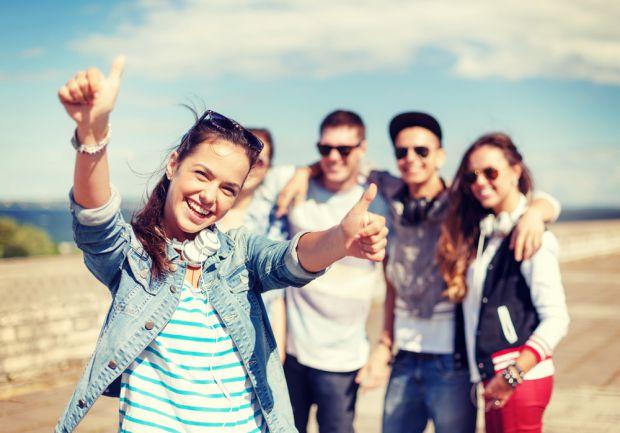 Підлітки ростуть і розвиваються по-різному. Вчені з'ясували, чим небезпечний різкий стрибок зростання у дітей.