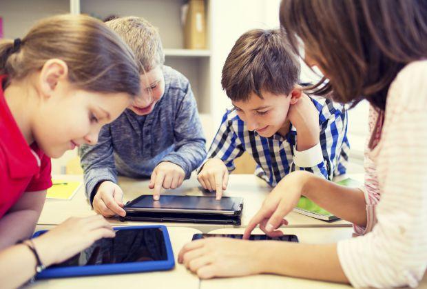 На думку психологів, кількість дітей, які страждають залежністю від комп'ютерних ігор, стрімко зростає. І виною тому не тільки повсюдне поширення гадж