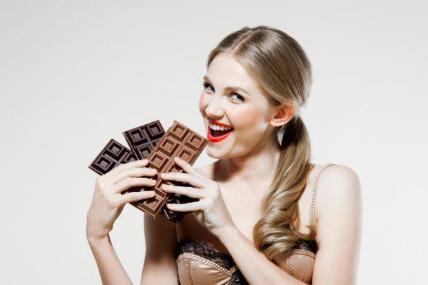 Багато майбутніх мам, звісно ж, страшенні ласунки.  І, звичайно, не можна говорити про солодощі та не згадати шоколад.  Він буває різний: темний, моло