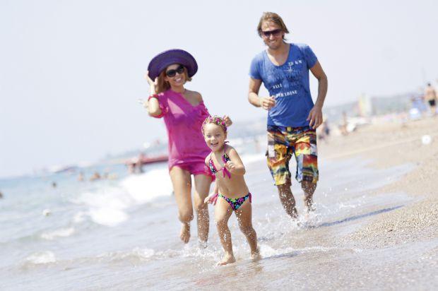 Батьки влітку переймаються: як зробити дитячий відпочинок максимально безпечним, комфортним та цікавим для дитини? Якщо ви хочете оздоровити малюка на