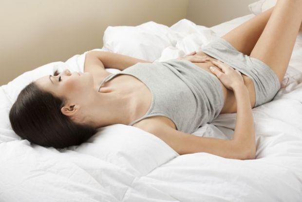 Менструація після пологів може бути повністю відсутня весь час грудного вигодовування дитини – це нормально. Але найчастіше повне відновлення менструа