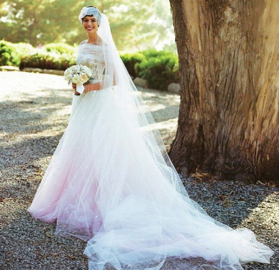 anne-hathaway-wedding_blog.jpg