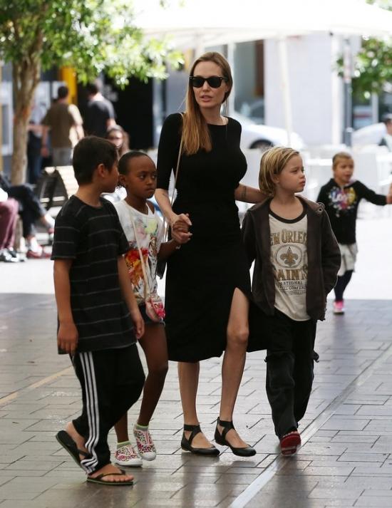 Анджеліна Джолі зараз знаходиться в Сіднеї на зйомках свого другого режисерського проекту
