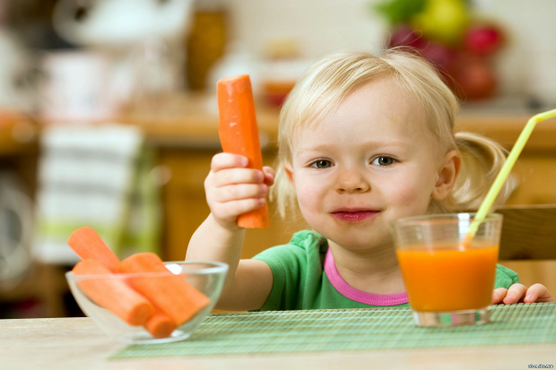 Варто давати дитині сік правильно, щоб униктнути небажаних наслідків. Повідомляє сайт Наша мама.