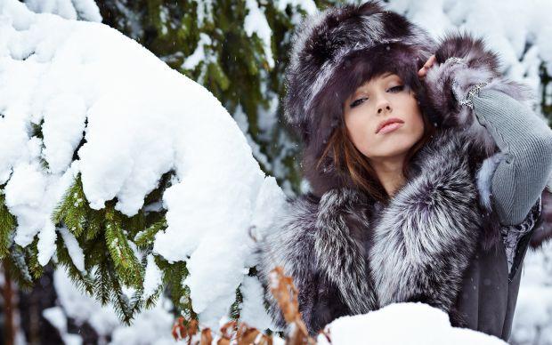 Давно не модно в холодну погоду ходити без головного убору. Шапка - сьогодні не тільки засіб захисту від зимових морозів, але і стильний аксесуар.