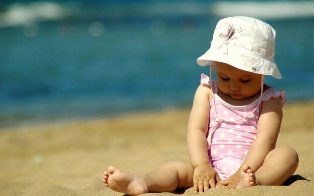 Отже, які ж небезпеки чекають дитину в дитячій пісочниці. Повідомляє сайт Наша мама.