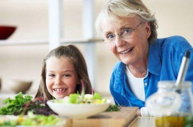Бабусі вважають (іноді небезпідставно), що вони, виростивши одну-дві дитини,