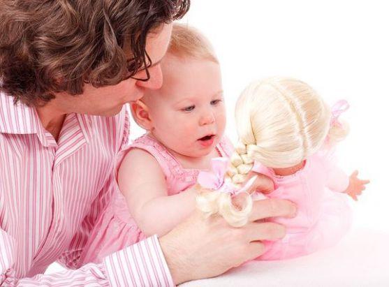 Коли у тебе лише одна хвилина, щоб розважити чи заспокоїти малюка. Ох, як кортить, щоб слізки пропали, а усмішка з'явилась. Корисні методики - запису