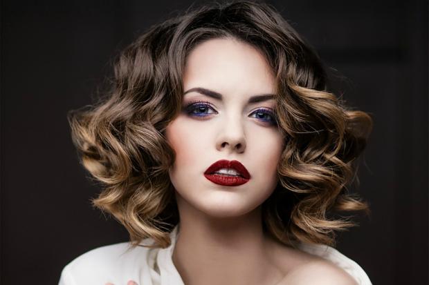 Давайте дізнаємося плюси і мінуси фарби для волосся без аміаку. Повідомляє сайт Наша мама.