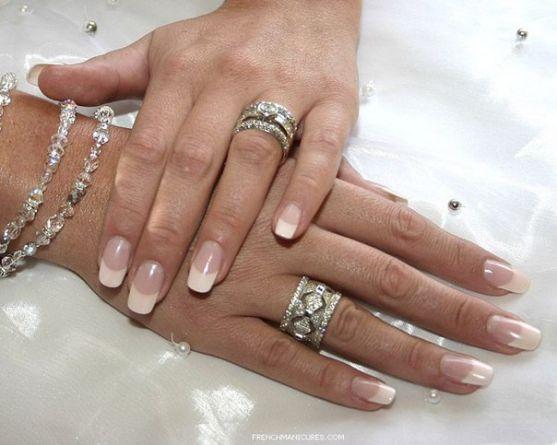 Манікюр - невід'ємна частина образу нареченої. Ви повинні гарно підготувати свої нігтики до цього важливого дня. Адже Ваш чоловік одягатиме Вам на пал