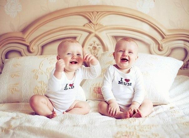 Подвійне щастя - подвійні клопоти, подвійних ризик... І все це - про близнят.