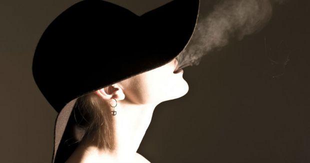 Сумно, що багато жінок сьогодні викурюють десятки сигарет щодня для того, щоби позбутися зайвої ваги. І свято вірять, що це допомагає.