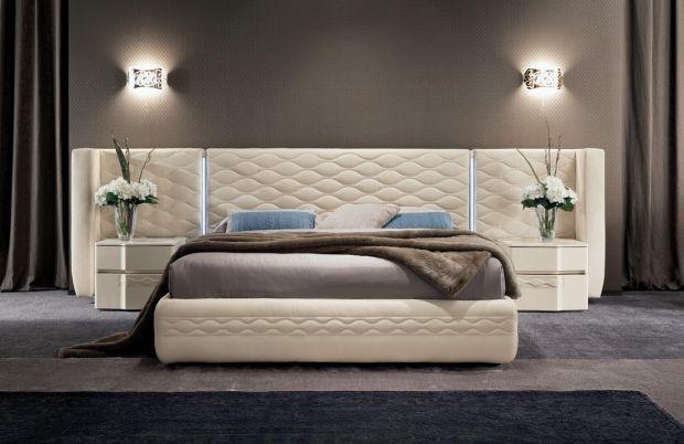 Спальня по праву считается одним из важнейших помещений в доме, не считая кухни и гостиной, конечно. В спальне хочется отдыхать, поэтому и к оформлени