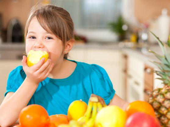 Чим найкраще нагодувати дитиною перед школою та дати з собою? Є кілька корисних варіантів.