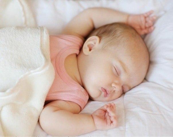 У вихованні дитини дуже важливе ставлення батьків до малюка. Як поводитися з новонародженим, чи варто з ним сюсюкатися?Чому дитина плаче, які бувають