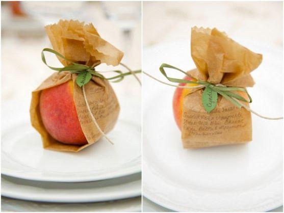 Здивуйте гостей на своєму весіллі ось такими маленькими, проте цікавими подарунками.